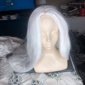 Accessories - Long White Wig